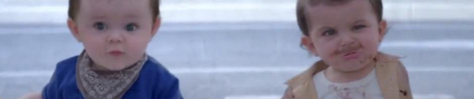Firma Evian láká své zákazníky tancem