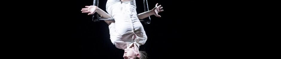 Eliška Brtnická uvede premiéru sólové inscenace současného cirkusu
