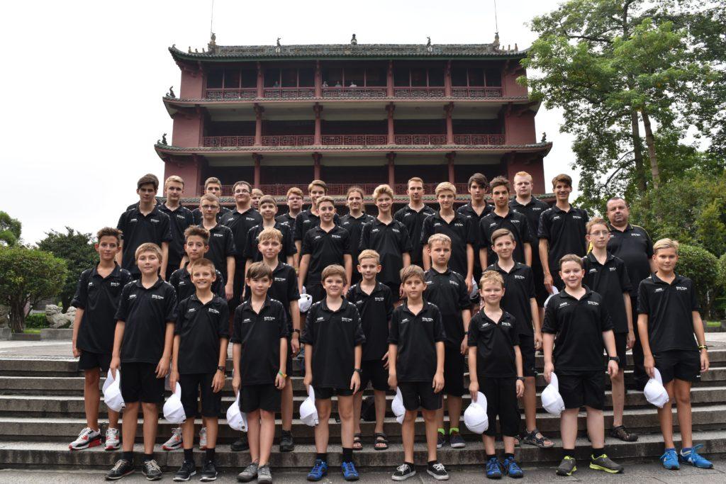 foto pro tisk - Guangzhou - chrám - čína 2016 - Boni pueri
