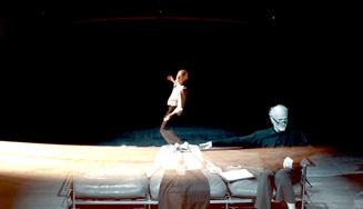Guru taneční improvizace se vrací do Prahy