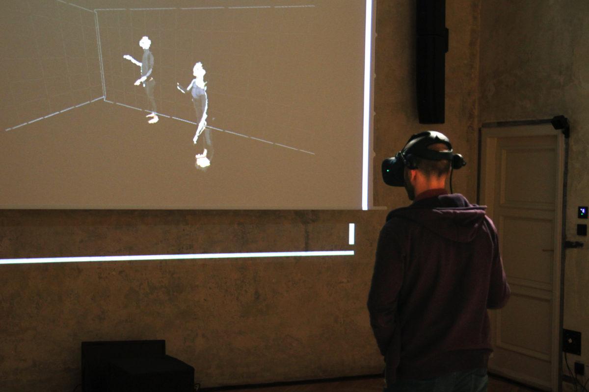 Díky Festivalu Tanečních filmů se v galerii SMETANAQ v Praze objevil unikátní projekt.