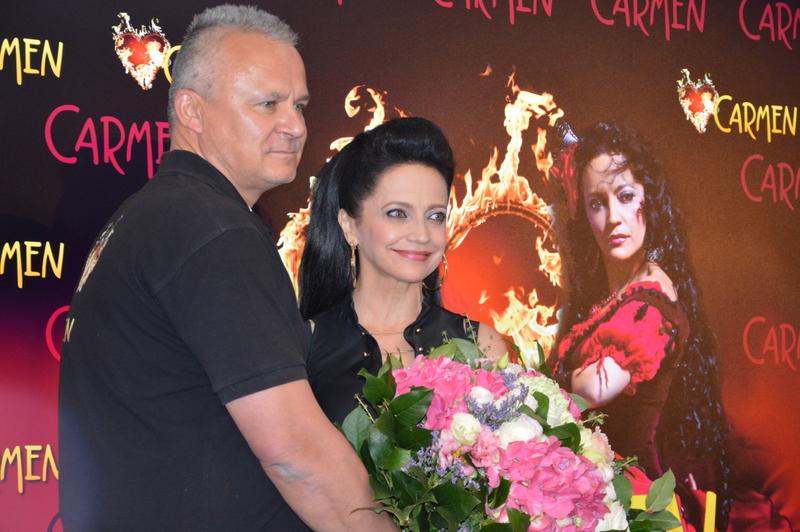 Hvězda LUCIE BÍLÉ na Chodníku slávy HD Karlín slavnostně odhalena