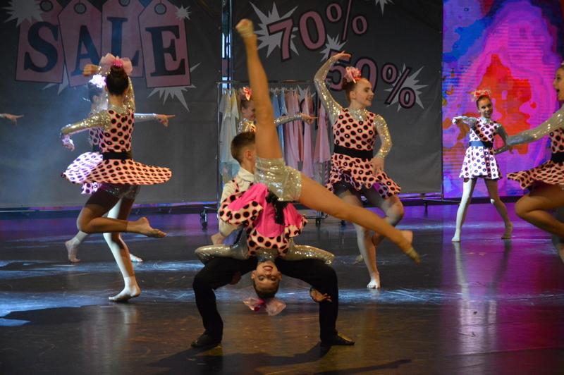 Czech dance organization zakončila letošní taneční tour vpražských Holešovicích