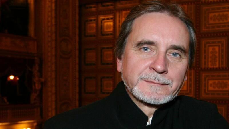 Francouzská akademie vzdává nejvyšší poctu českému umělci!
