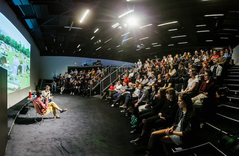 Talkshow  sodborníky, umělci i politiky