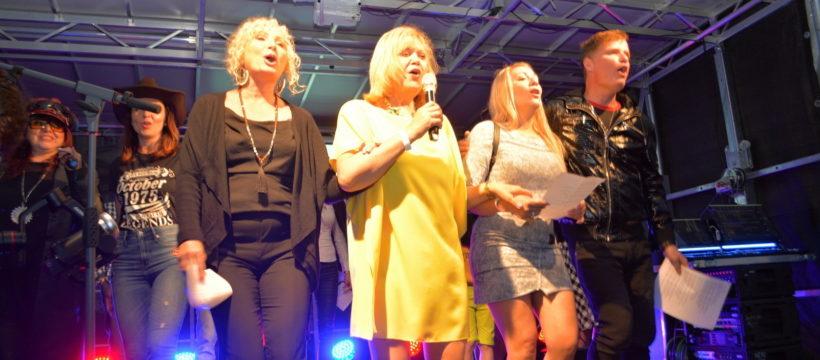 Bavili se zpěváci i publikum