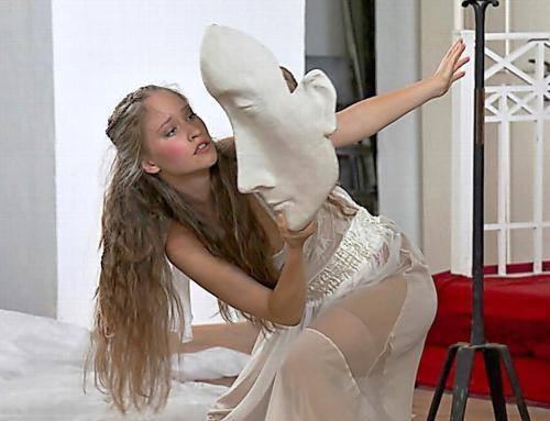 Rozhovor stanečnicí a herečkou ADÉLOU MAŠÍNOVOU – SRNCOVOU