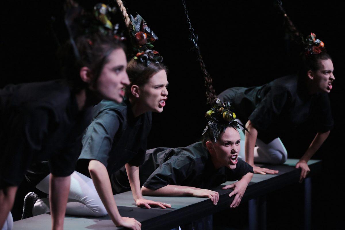 Choreografka FLORA DÉTRAZ na Pražských křižovatkách