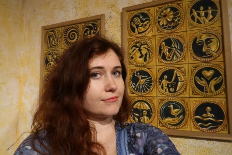 EVA TOULOVÁ tentokrát vystavuje obrazy
