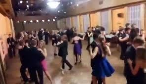 Hledá se učitelka anebo učitel tance