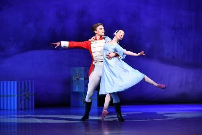 Místo baletní tyče poslouží skříň
