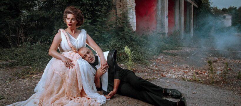 Nejen Cyrano ve skafandru